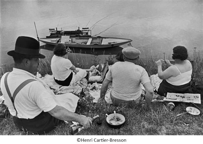 Henri Cartier Bresson FRANCE. Sunday on the banks of the River Marne. 1938 ©Henri Cartier BressonMagnum - هانری کارتیه-برسون - پدر عکاسی خیابانی